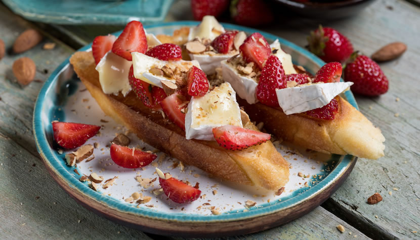 Camembert Strawberry Crostini